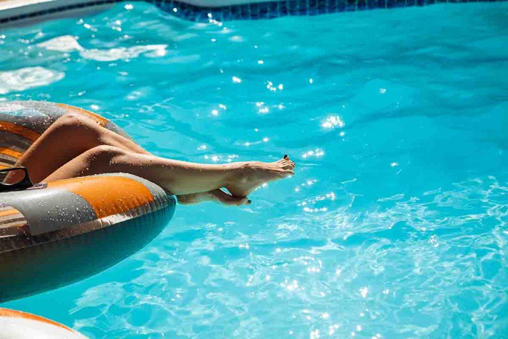 Limpiar las piscinas de plástico es muy sencillo